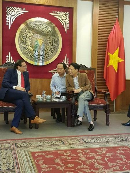MEMBRII BIROULUI EXECUTIV IGF ÎN HANOI - VIETNAM !