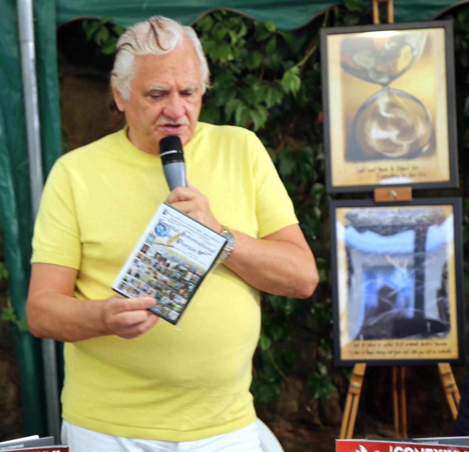 RETURN TICKET FROM SYDNEY TO  BISTRIȚA