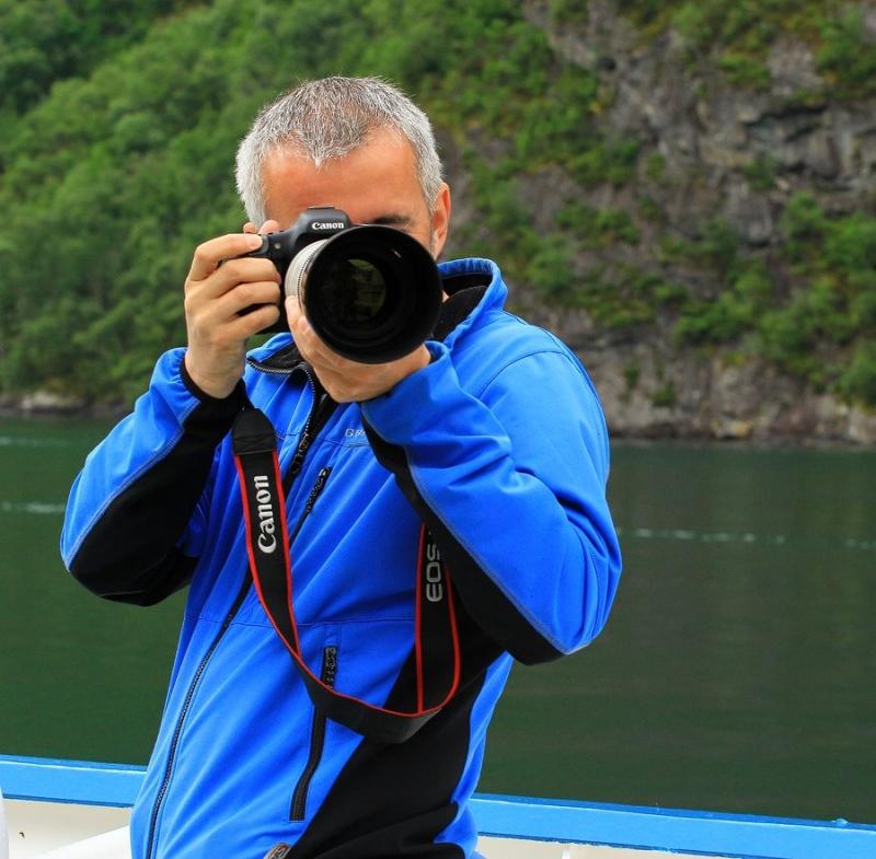 ARTISTUL IOAN OVIDIU LAZĂR NE ÎNFRUMUSEŢEAZĂ PRIMA ZI DIN SĂPTĂMÂNĂ CU O MINUNATĂ FOTOGRAFIE!
