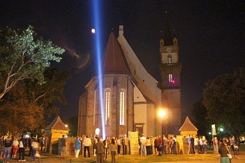 MÂINE, 23 AUGUST, ÎN CADRUL ZILELOR MUNICIPIULUI BISTRIȚA 2014, VA AVEA LOC NOAPTEA ALBĂ A BISERICII EVANGHELICE