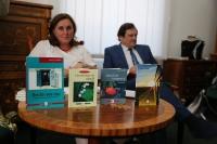 """4 CĂRȚI NOI SEMNATE ELENA M. CÎMPAN AU FOST PREZENTATE LA """"CONEXIUNI"""""""