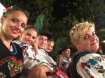"""BISTRIȚA – ROMÂNIA – REPREZENTATĂ CU CINSTE ÎN INSULELE CANARE DE CĂTRE MEMBRII ANSAMBLULUI FOLCLORIC """"CUNUNA DE PE SOMEȘ""""!"""